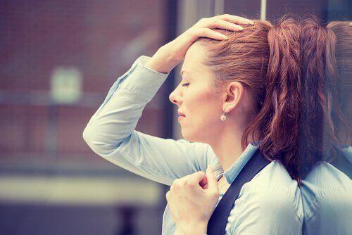mulher-egoista-preocupada