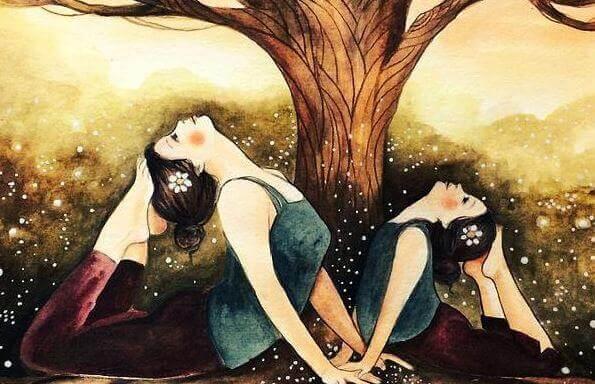 mae-e-filha-fazendo-ioga