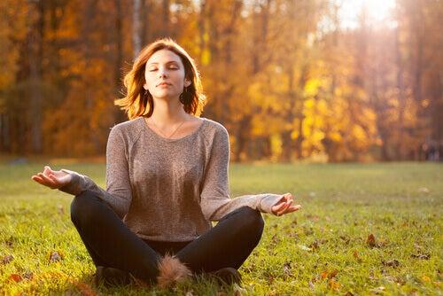 meditacao em meio à natureza