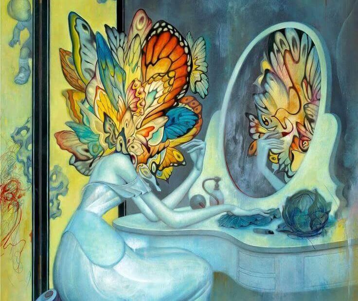 mulher-com-cabeca-de-borboleta