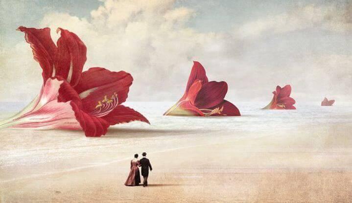 romantismo-casal-passeando-na-praia