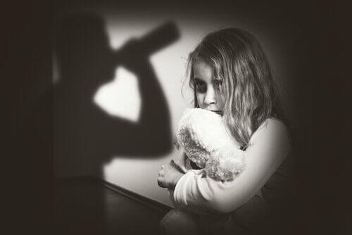 infância-experiências-traumáticas