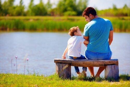 pai-e-filho-conversando
