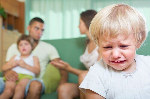filhos-sofrem-brigas-dos-pais