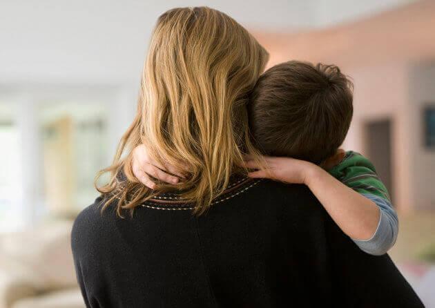 mae-com-filho-autista