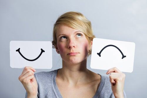 pessoas felizes ou tristes