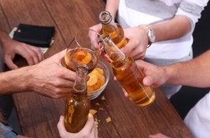 A linha tênue entre alcoolismo e hábito
