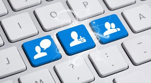 redes-sociais-computador