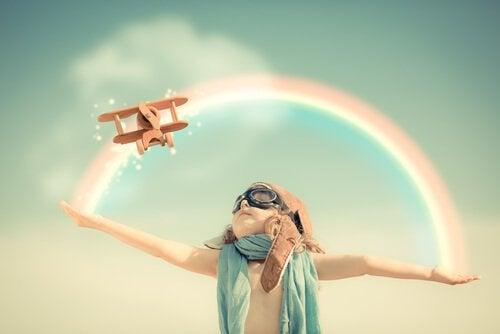 menino-aviao-criatividade