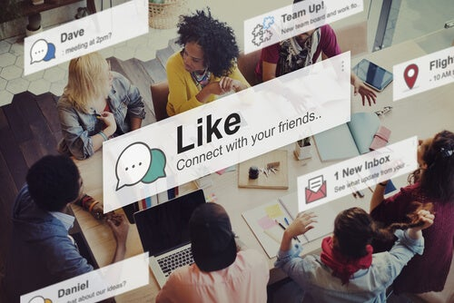 amigos de redes sociais