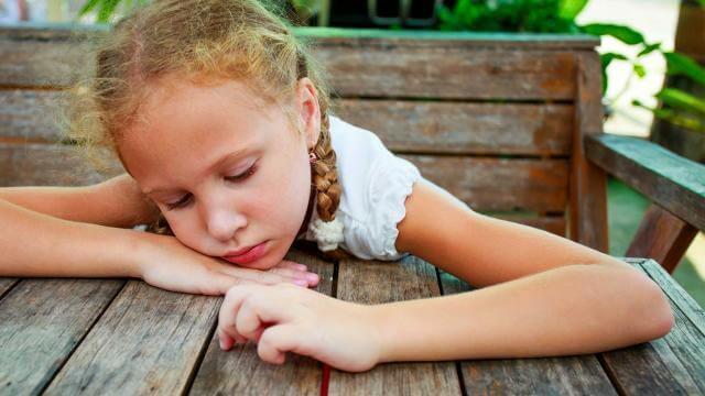 crianca-triste