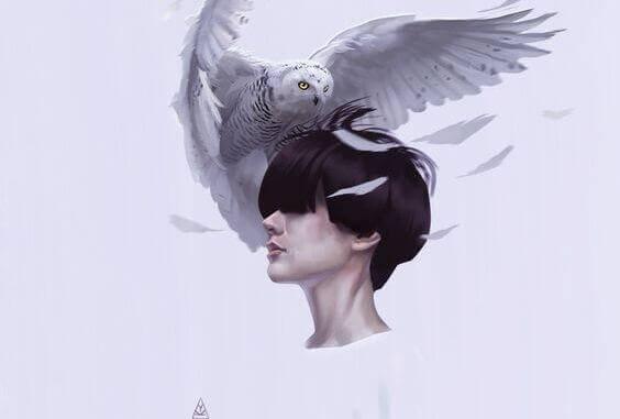 mulher-com-aguia-na-cabeca