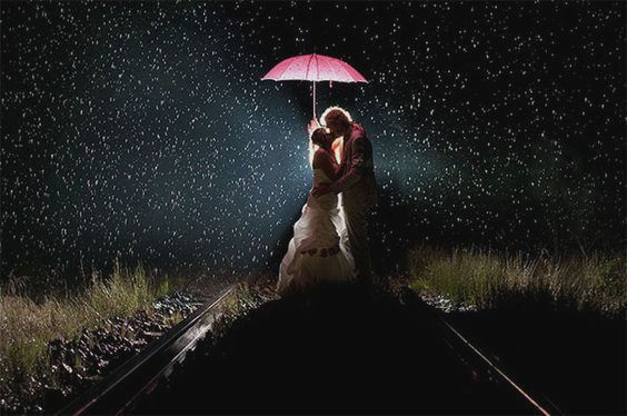 casal-guarda-chuva-noite