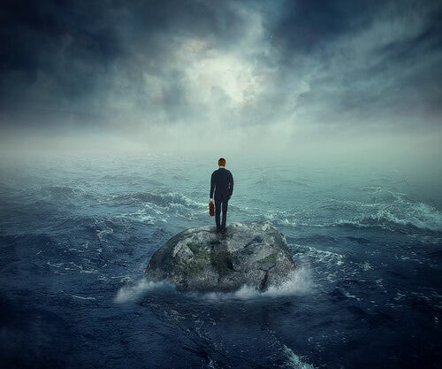 Estamos sozinhos ou em solidão?