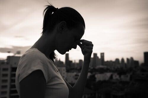 mulher-angustiada