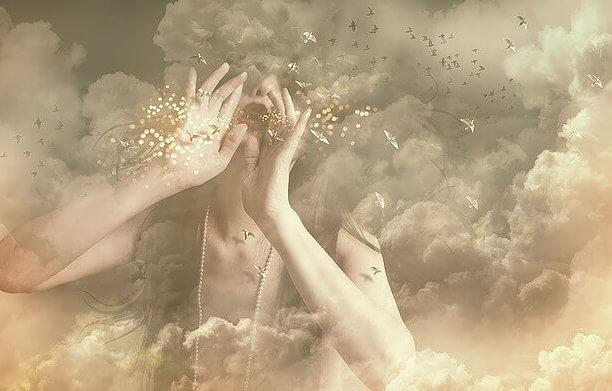 mulher-nuvens