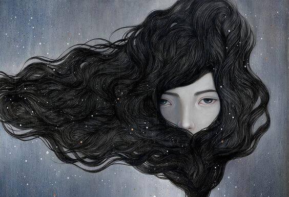 mulher-cabelo-cobrindo-rosto