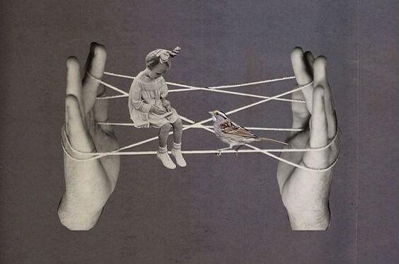 menina-passarinho-sentada-em-fios