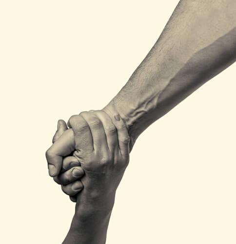 pessoas boas estendem a mão