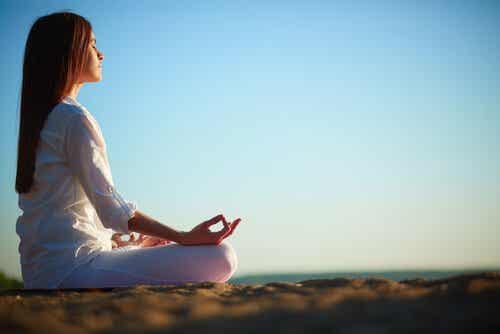 Meditação e outras técnicas para ajudá-lo a ser mais feliz