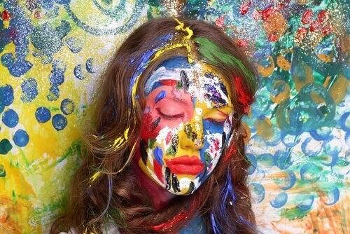 mulher-rosto-pintado