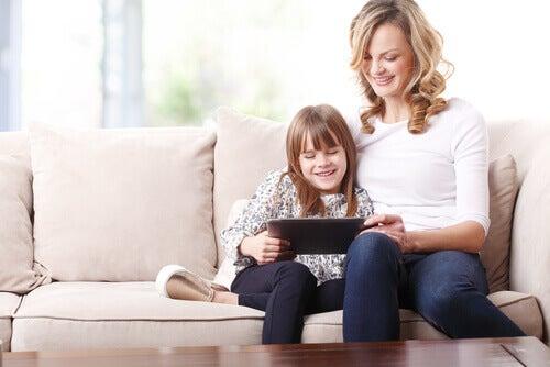 mae-filha-tablet