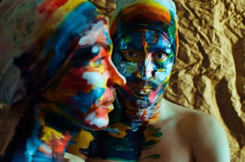 casal-rostos-pintados