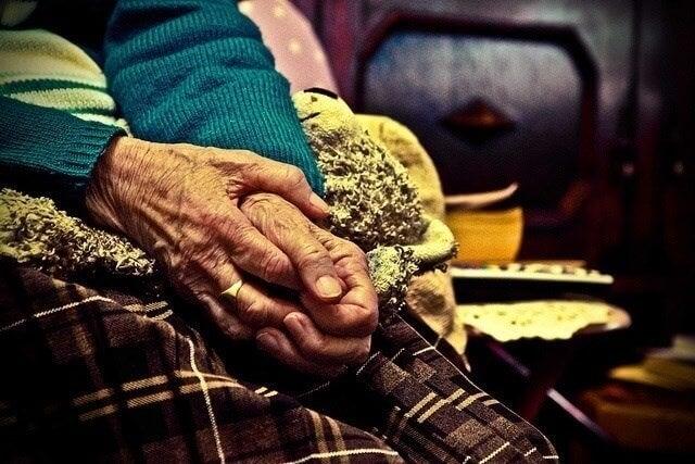Nossos avós precisam de amor e paciência