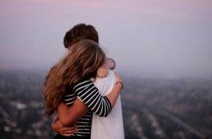 Reconhecer os próprios erros nos ajuda a perdoar os demais