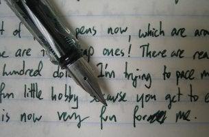 Grafologia: o que a escrita diz sobre você