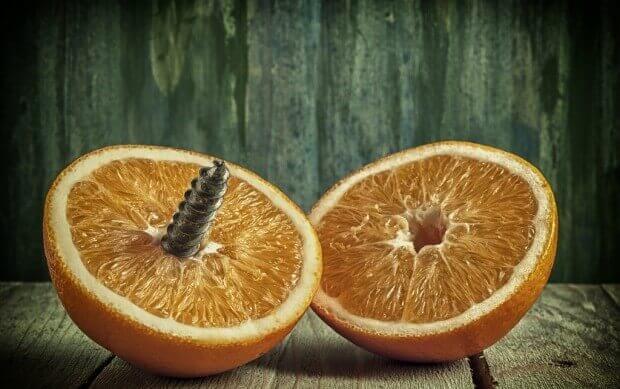 metade-da-laranja-machuca