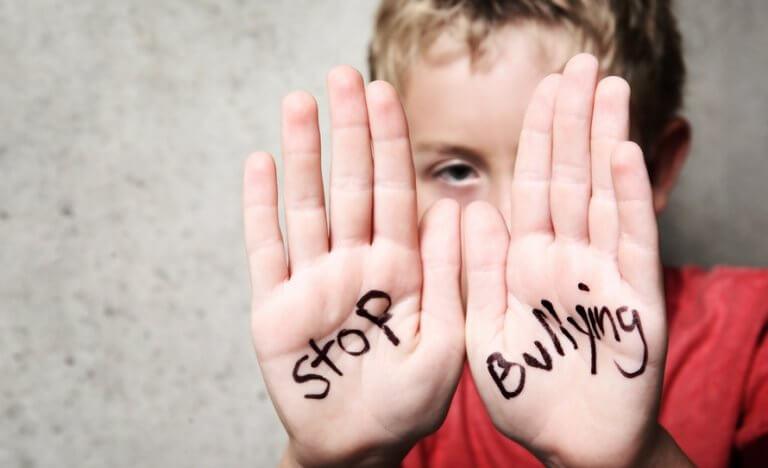 pare-com-o-bullying