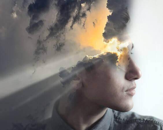 rosto-homem-sol-nuvens