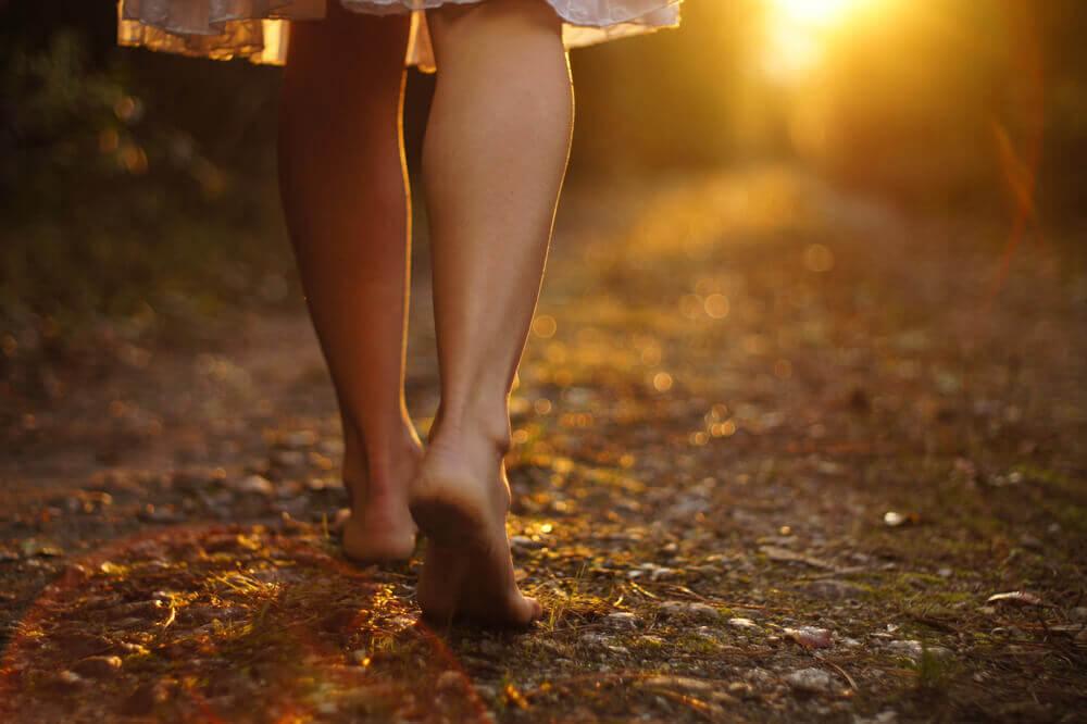 Se você deseja viver, coloque um pé diante do outro