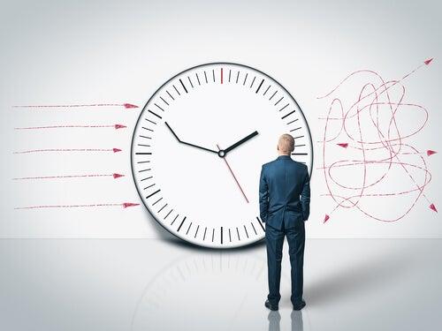 perder tempo e se desorganizar