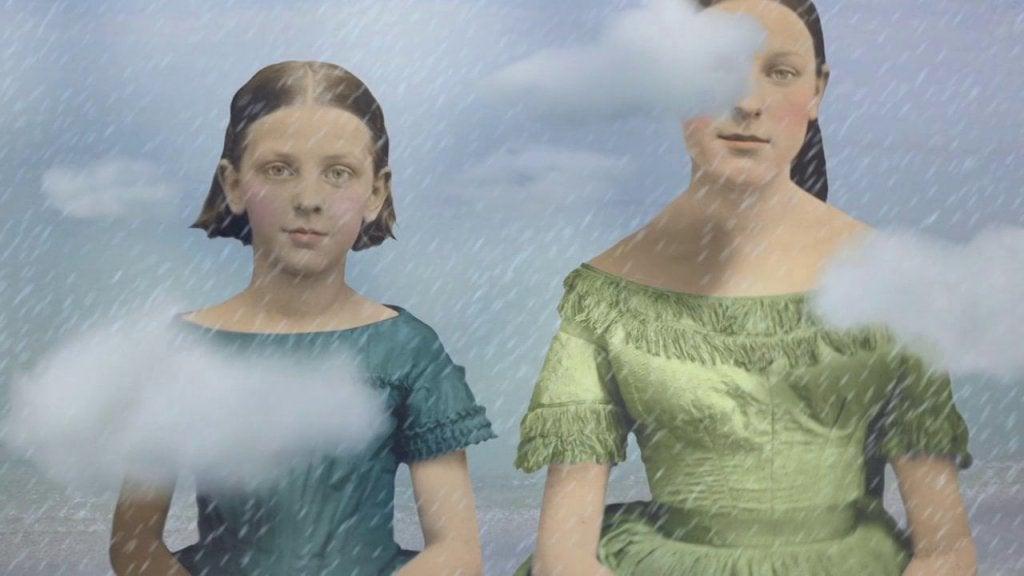 mae-e-filha-na-chuva