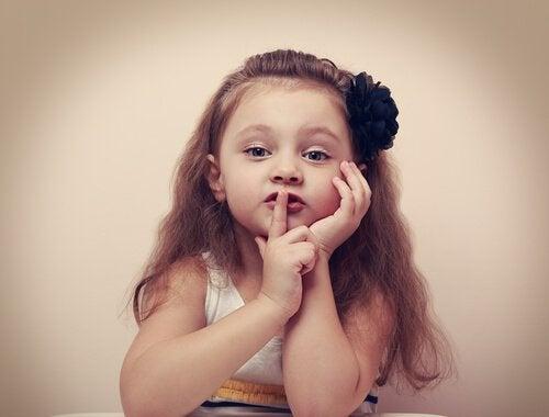 menina-silencio