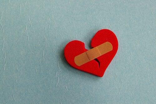 5 chaves para superar o término de um relacionamento amoroso