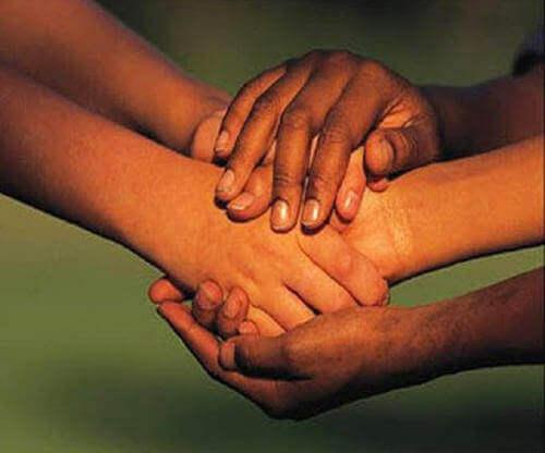 Estar com pessoas, e não acima delas, nos torna melhores