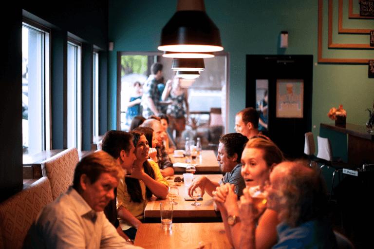 restaurante-interacoes-sociais