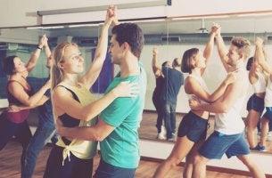 Aula de dança faz bem para o cérebro