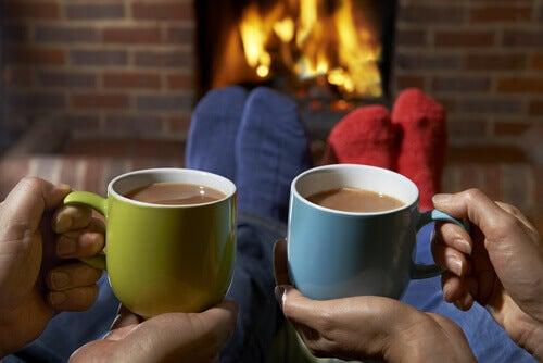 Uma boa xícara de café com amigos