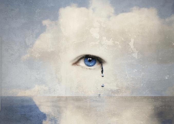 Olho chorando por sentimentos de catarse emocional