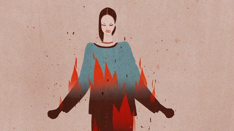 Mulher com muita raiva