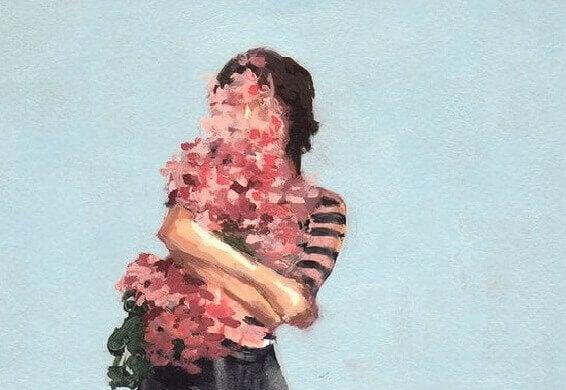 mulher-segurando-flores
