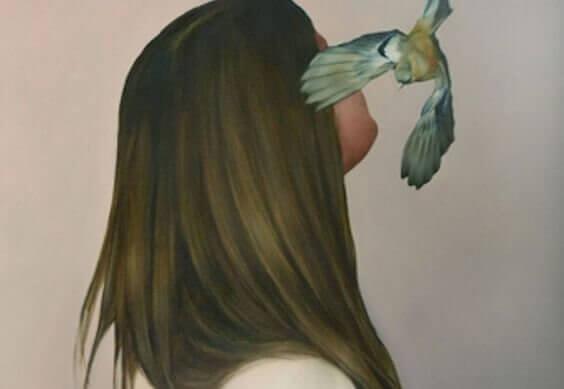 Mulher com passarinho