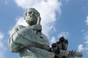 5 frases geniais de Aristóteles