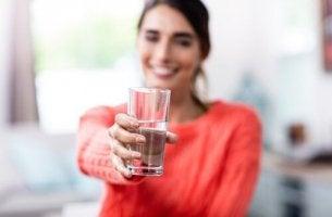O copo está meio cheio ou meio vazio? Você escolhe