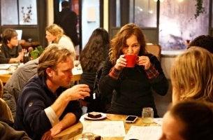 Você já ouviu falar dos cafés da morte? É uma ideia interessante...