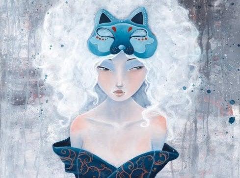 Mulher com máscara de lobo